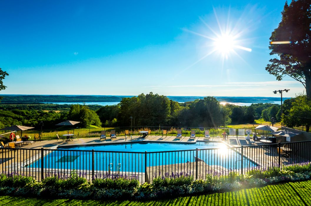 Lakeview Hotel Outdoor Pool
