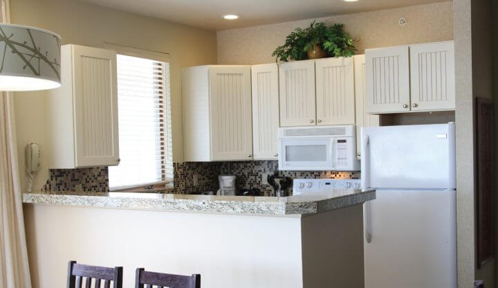 Cedar River two bedroom suite kitchen