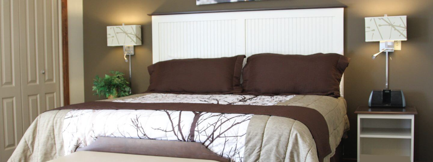 Cedar River two bedroom suite bedroom
